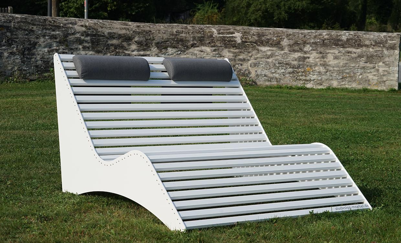 weiße breite Relaxliege aus Alu - Aluminiumgartenmoebel