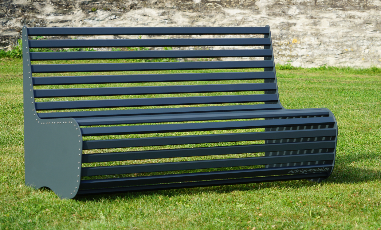 Gartenmöbel: Sitzbank grau aus Aluminium
