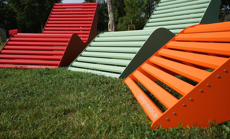 Relaxliege aus Alu - Aluminiumgartenmoebel bunt