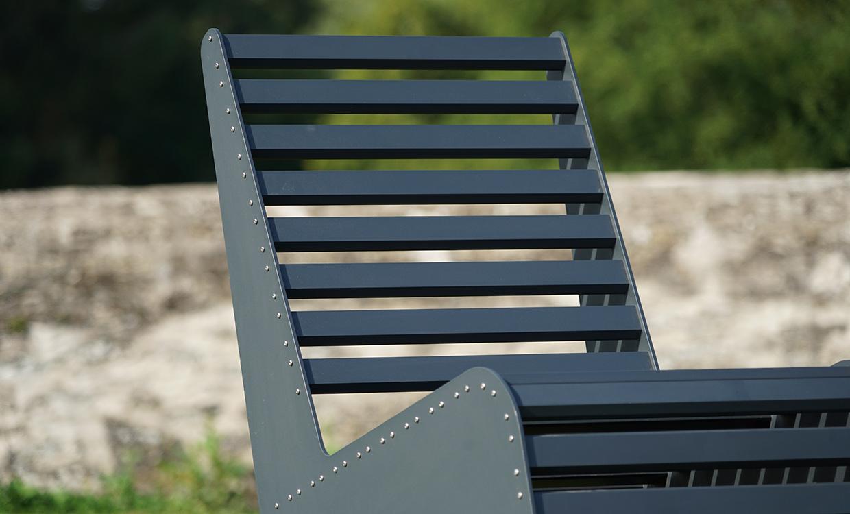 Loungesitz aus Aluminium für den Außeneinsatz - dunkelgrau von Aludesign Möbel - Detail Rückenlehne