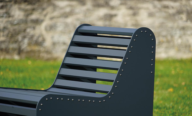 Parkbank aus Alu dunkelgrau - Aludesign Möbel für draußen