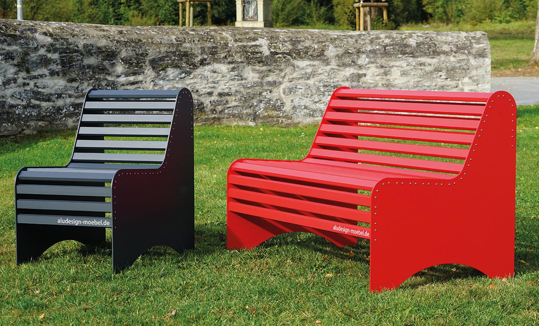 Parkbank aus Alu dunkelgrau - Aludesign Möbel für draußen ein- und zweisitzer