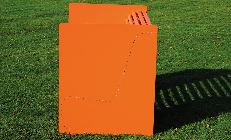 ms alu-design moebel Sitzbank Silence aus Alu seitliche Ansicht
